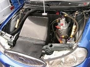 Ford Mondeo ST 97 Reynard engine